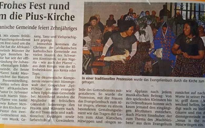 2. Dezember 2014: Singen mit der afrikanischen Gemeinde der Pius-Kirche (Westfälische Nachrichten)